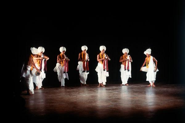 Танец манипури с цимбалами