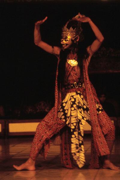 Танец короля Клана в золотой маске