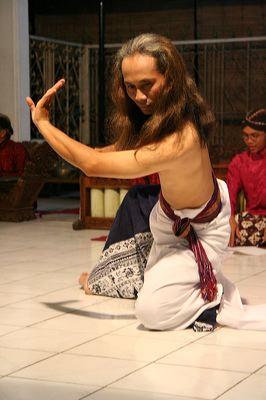 Дхармаван Дадионо: современная хореография на основе классической техники танца