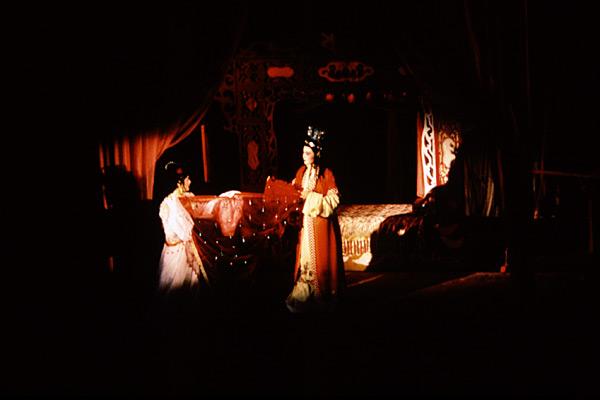 Современная постановка кантонской оперы
