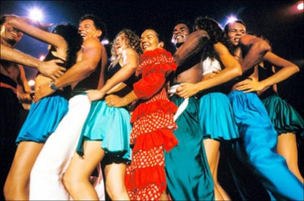 Ламбада - танец, с которым всегда весело