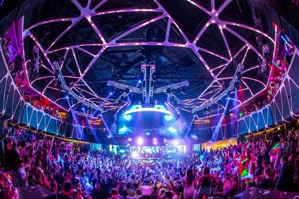 Лас Вегас - город азарта, танцев и отличный трамплин для карьеры бальника