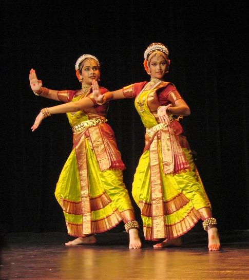 Традиционные танцы Бангладеша