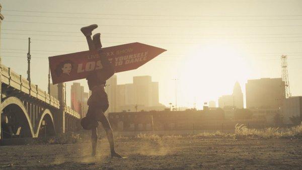 Креативная танцевальная реклама