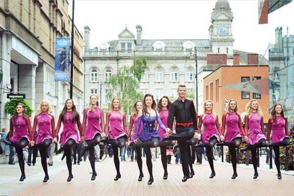 Riverdance в Дублине: танцуют все!