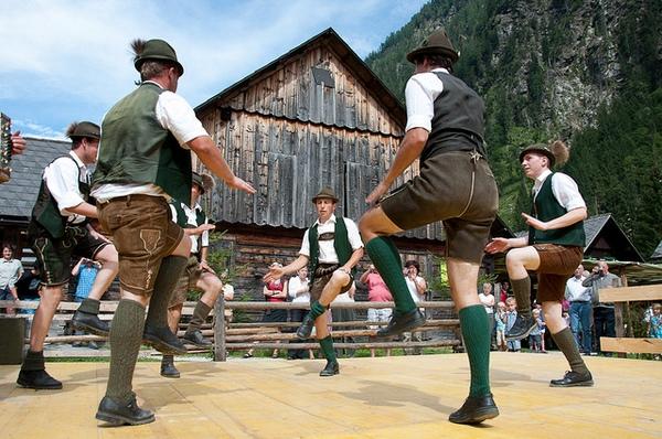 Schuhplattler - немецкий народный танец