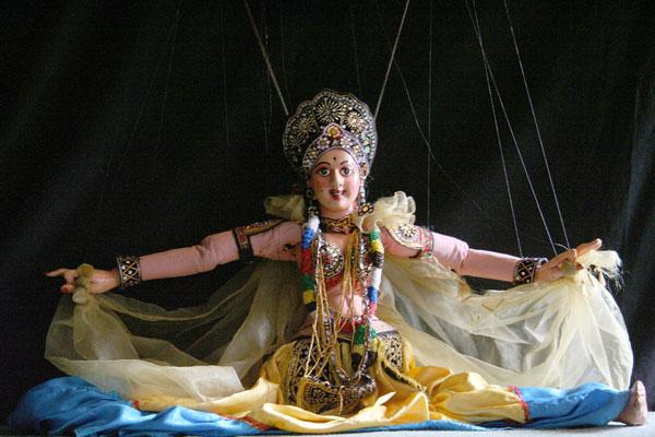 Выступление театра марионеток, танец-открытие