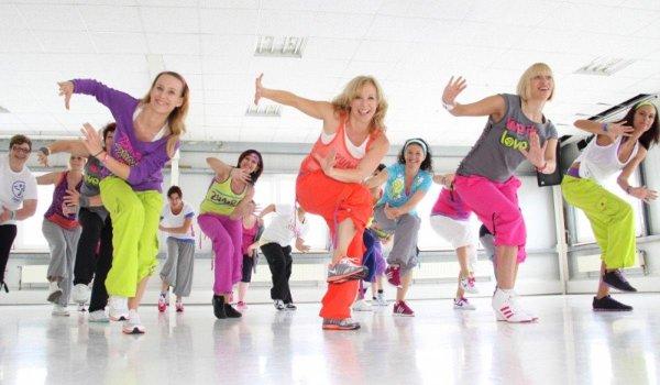 О преимущества танцев перед занятиями фитнесом.