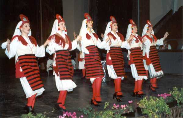Македонские народные танцы