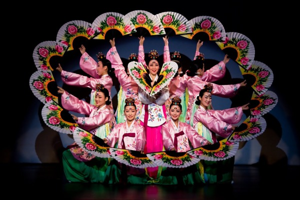 Китайский танец с веером