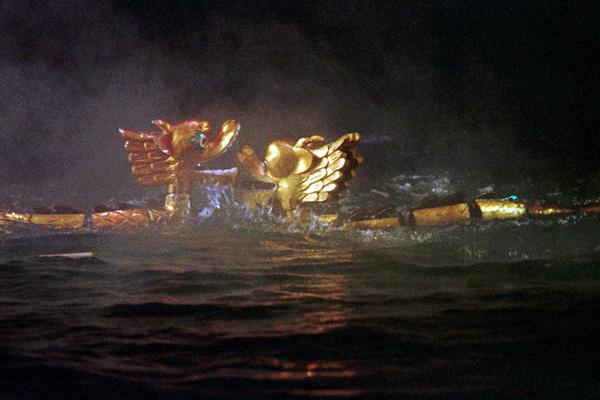 Танец драконов, которым начиналась постановка муа рой