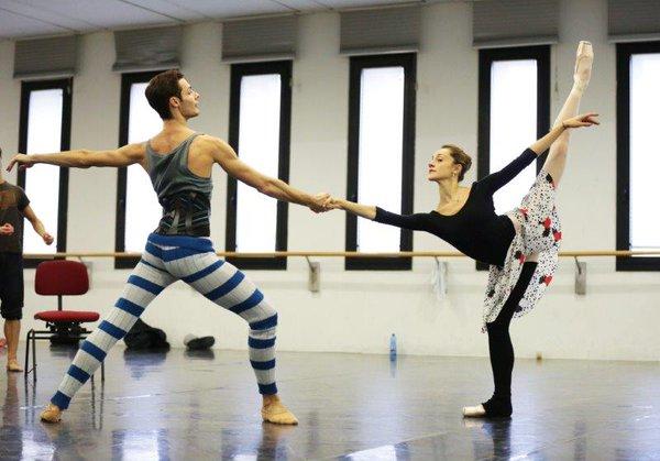 Как танцорам оставаться в форме, когда нет занятий/