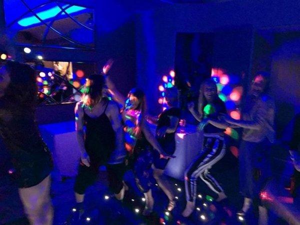 Латина для ночных клубов как снимать фото в ночном клубе