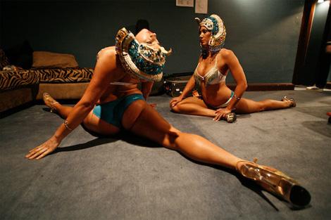 Соревнования девушек по стриптизу с шестом